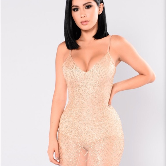 Fashion nova Ways to articulate dress NWT